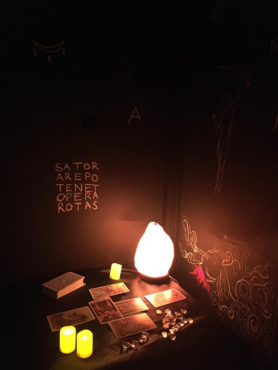 Witch's Hut (Installation, 2019)