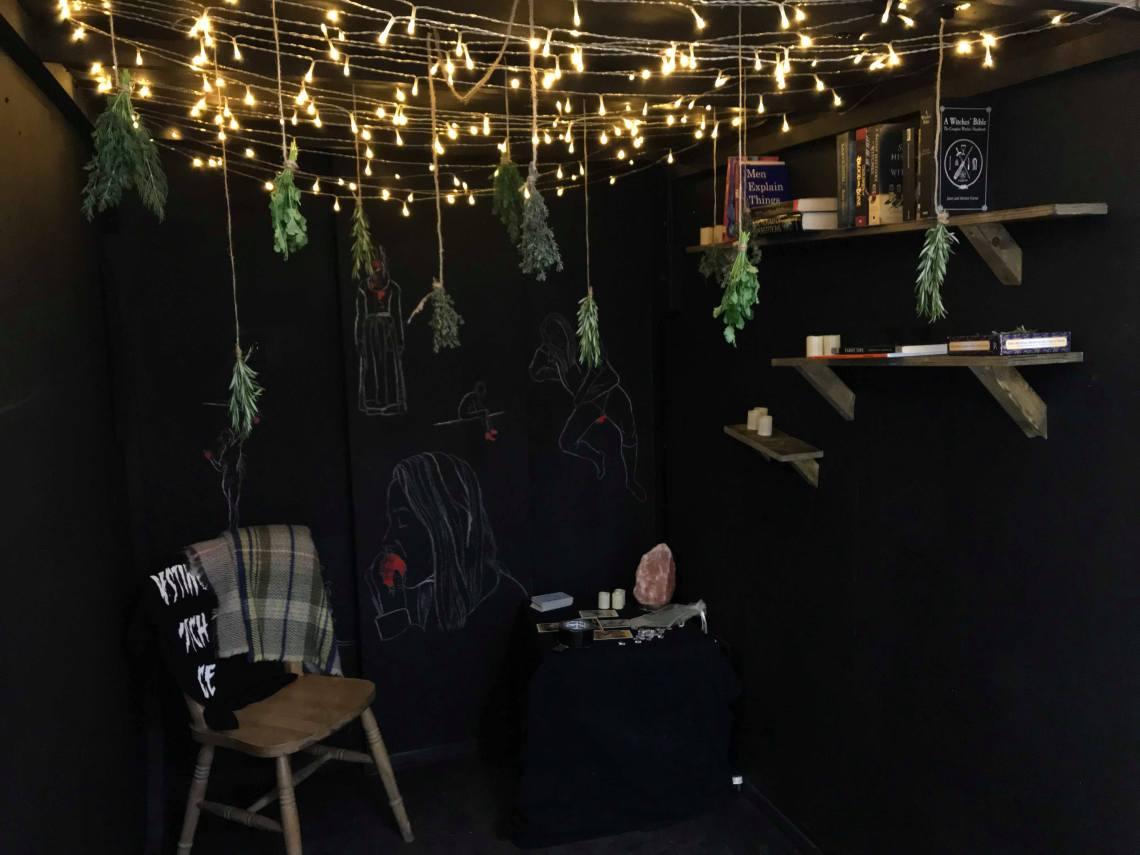 Progress of Witch's Hut (Installation, 2019) (1)